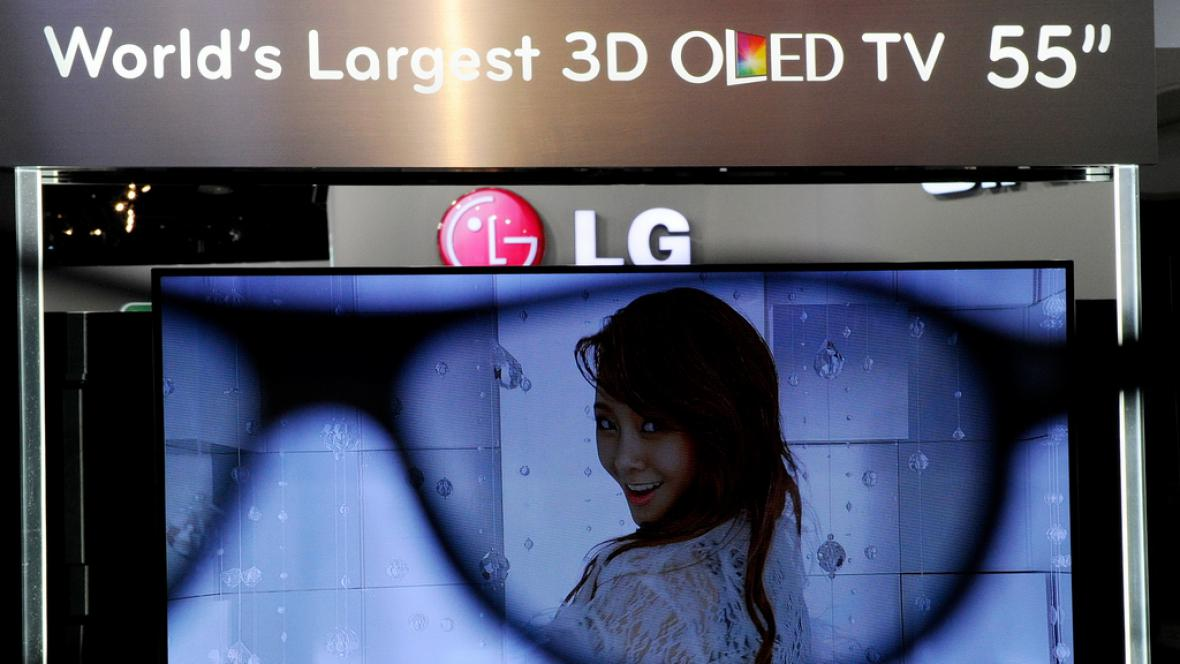 55palcová OLED 3D televize LG