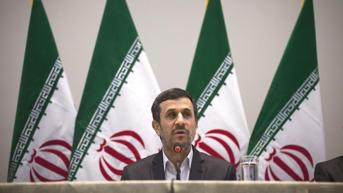 Mahmúd Ahmadínežád na konferenci v Riu