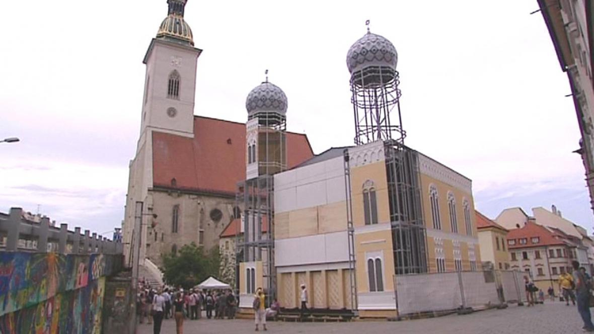 Replika synagogy v Bratislavě