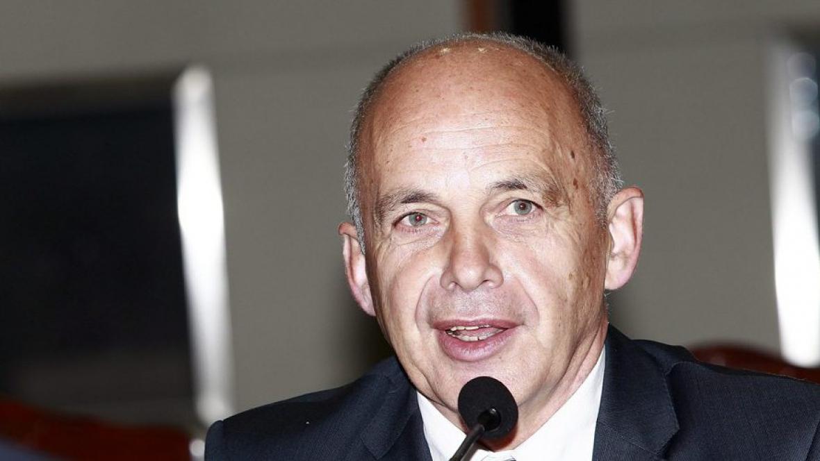 Švýcarský ministr obrany Ueli Maurer