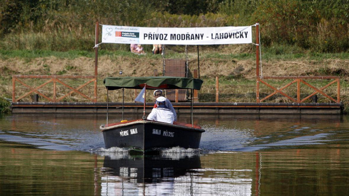 Pražský přívoz Modřany-Lahovičky