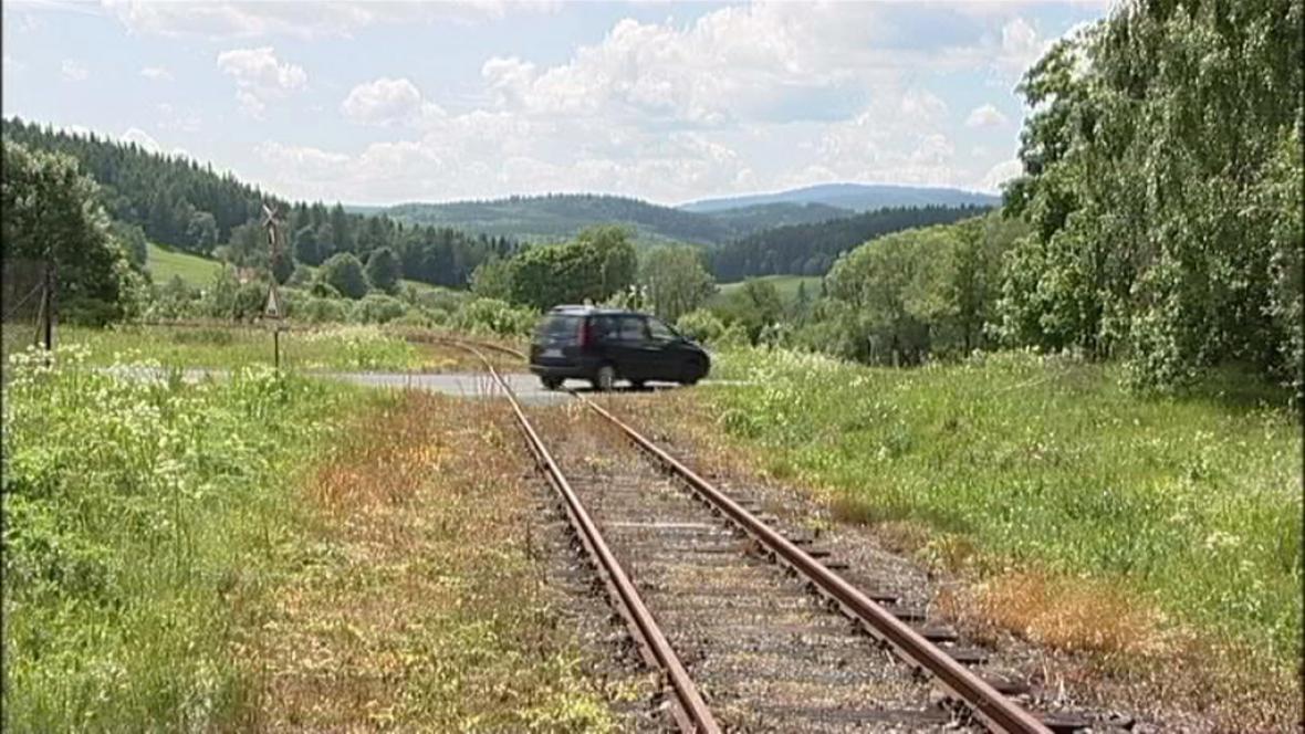Nechráněný železniční přejezd