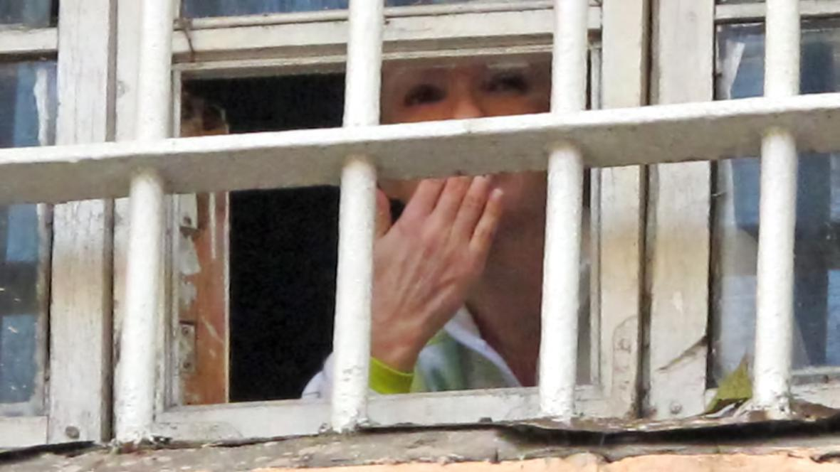 Julija Tymošenková zdraví své příznivce z vězení