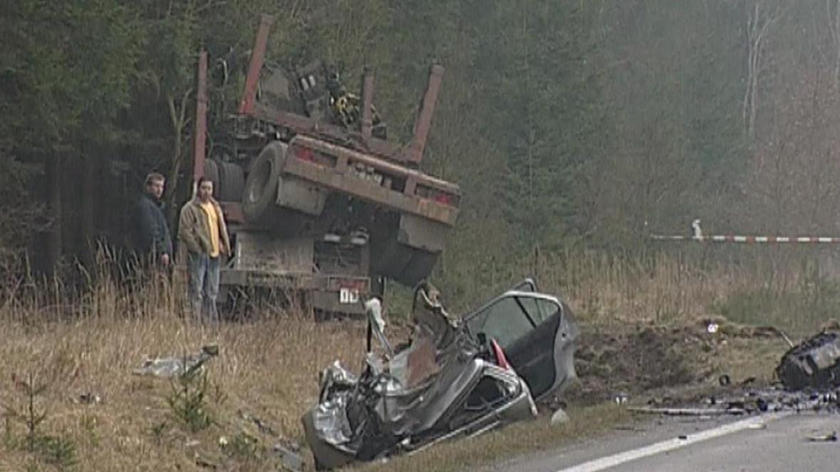 Nehoda nákladního a osobního auta na Rokycansku