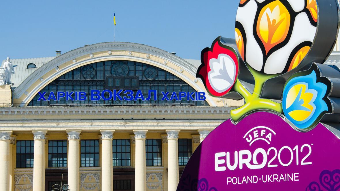 Plakát k Euru 2012 v Charkově
