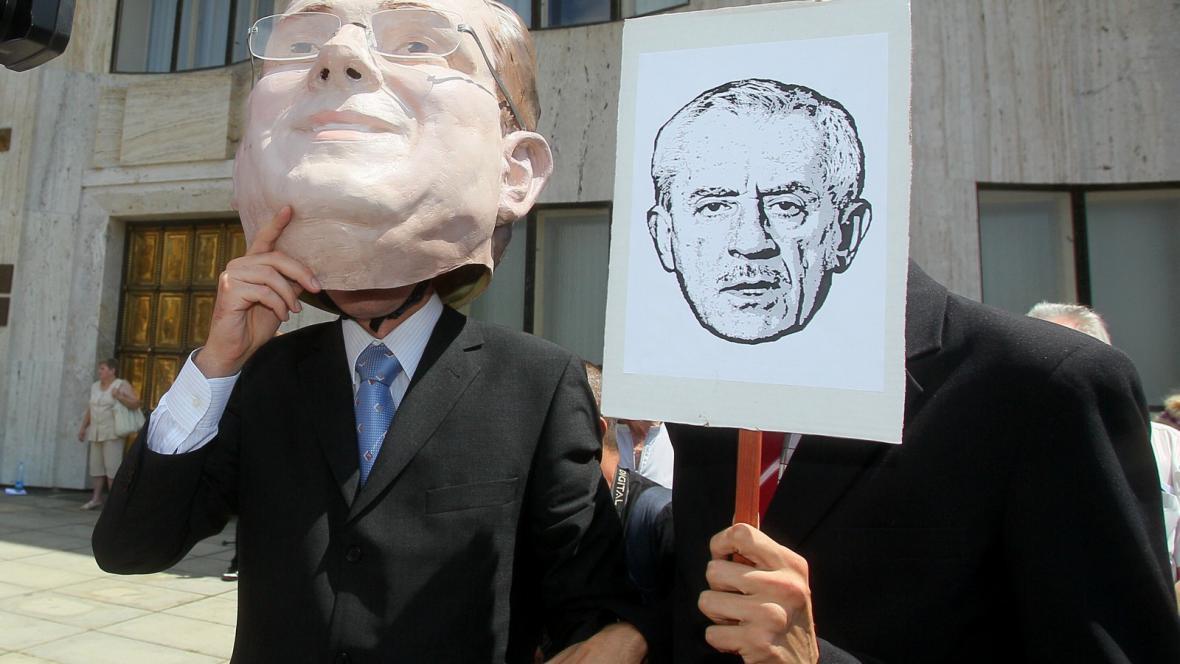 Protesty lékařských odborů před ministerstvem zdravotnictví