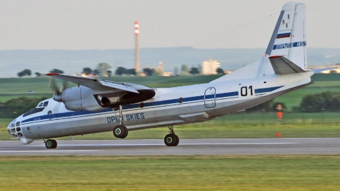 Přistání ruského letadla v Pardubicích