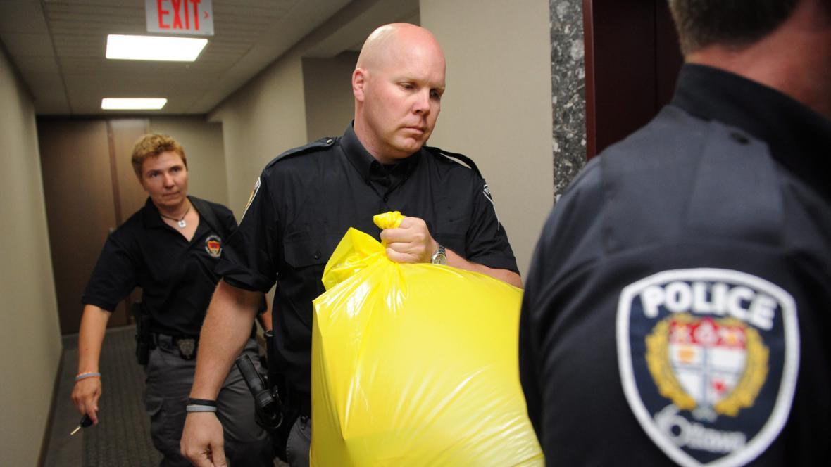 Kanadská policie se zásilkou s lidskými končetinami
