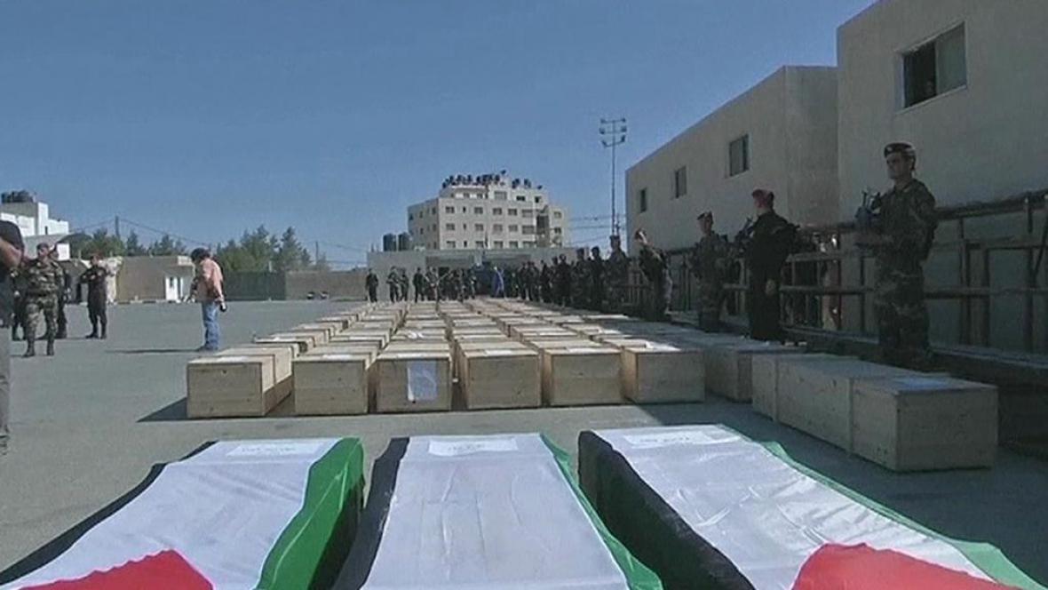Izrael předal Palestincům těla