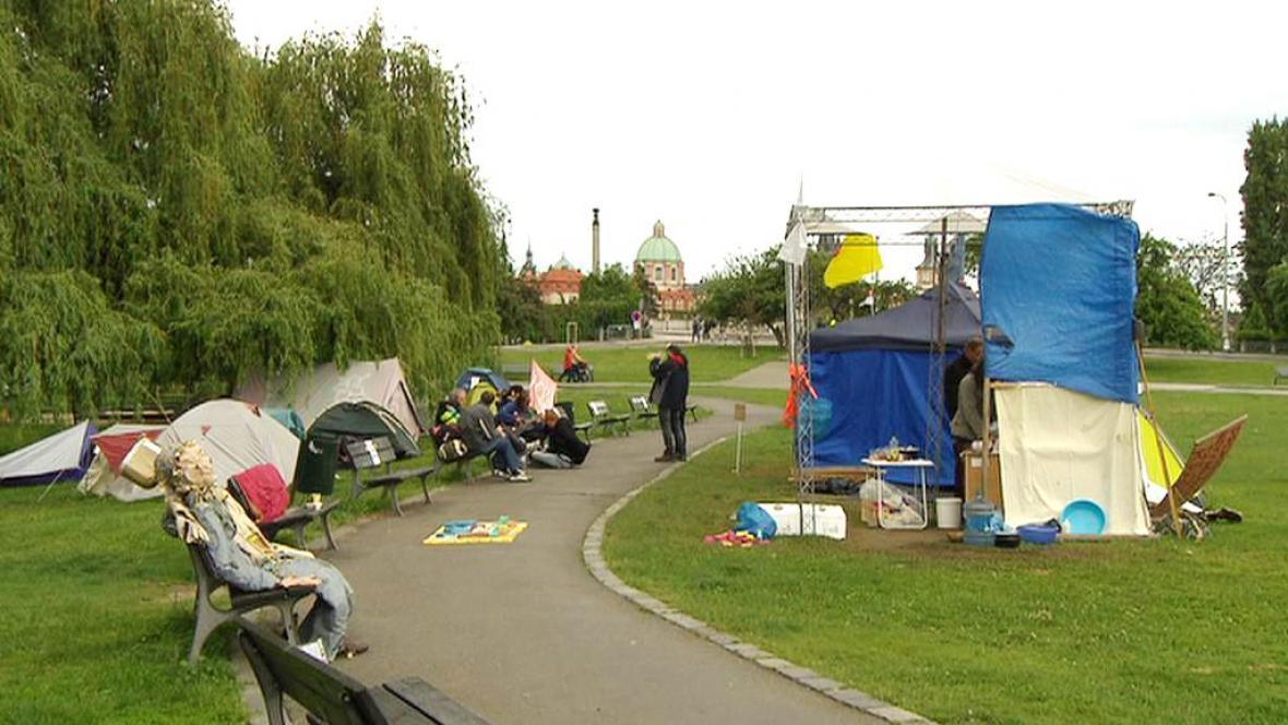 Stanové městečko na pražském Klárově