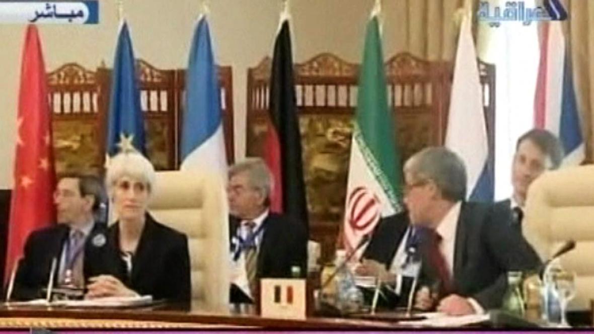 Jednání mezi Teheránem a velmocemi skupiny 5+1