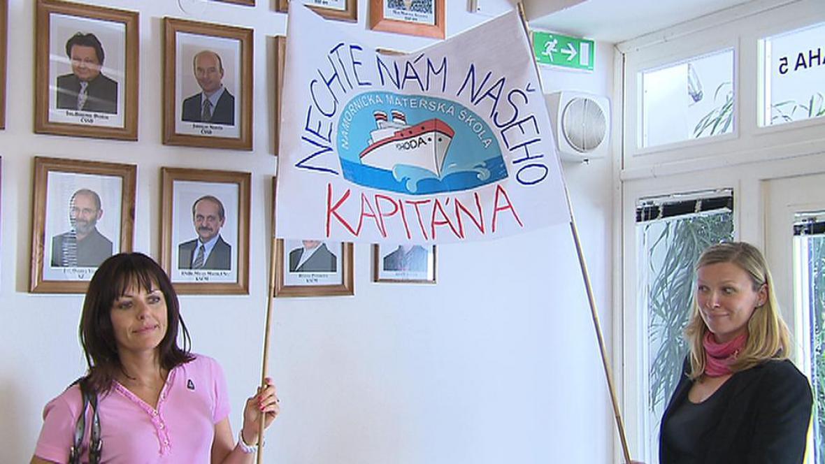 Rodiče protestují proti výměně ředitelů MŠ