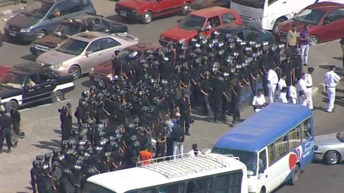 Egyptská policie na náměstí Tahrír