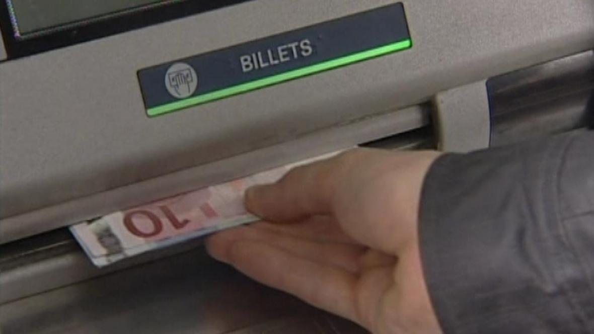 Výběr z bankomatu