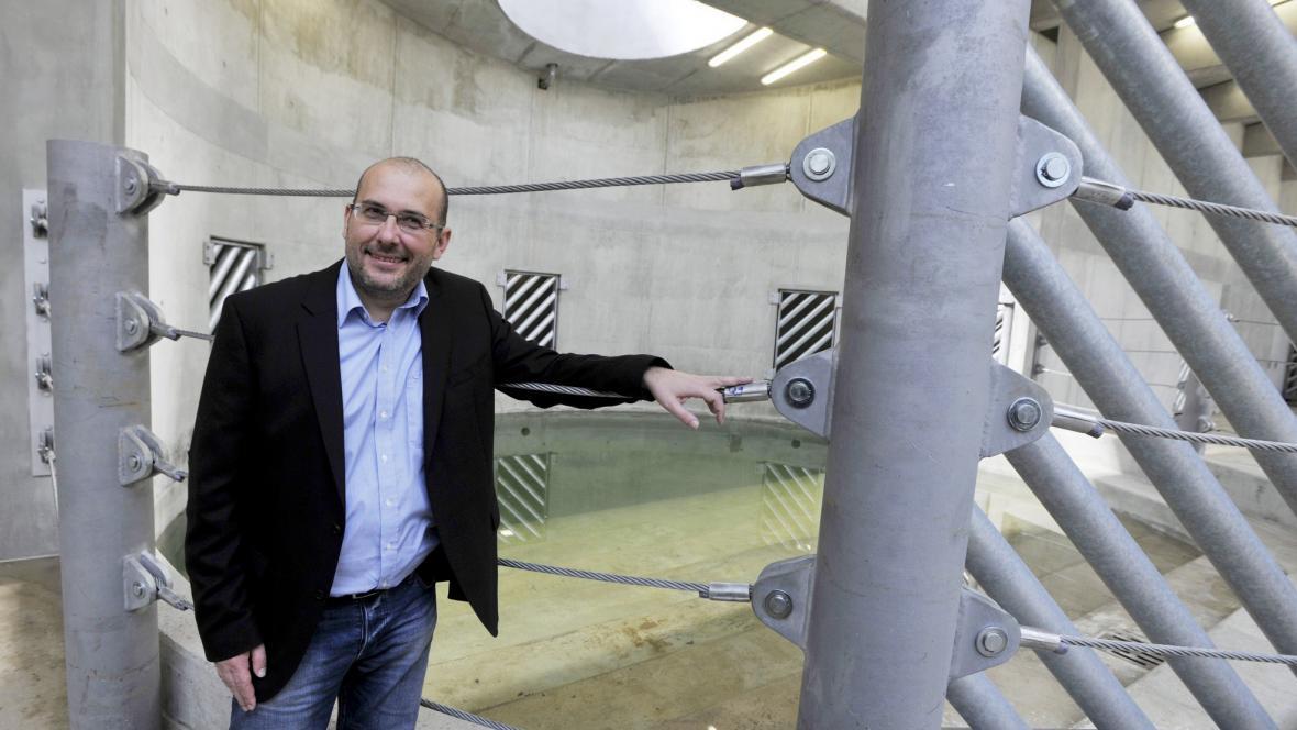 Nový pavilon slonů - ředitel Miroslav Bobek