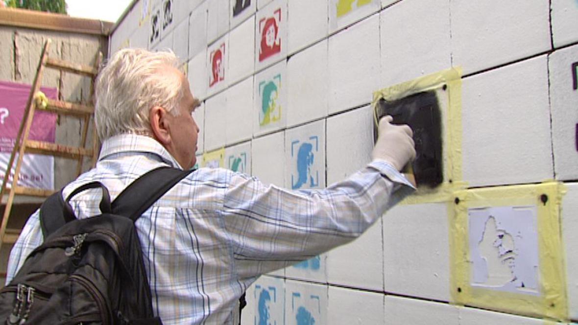 Závěrečný happening projektu The Wall - 537 faces