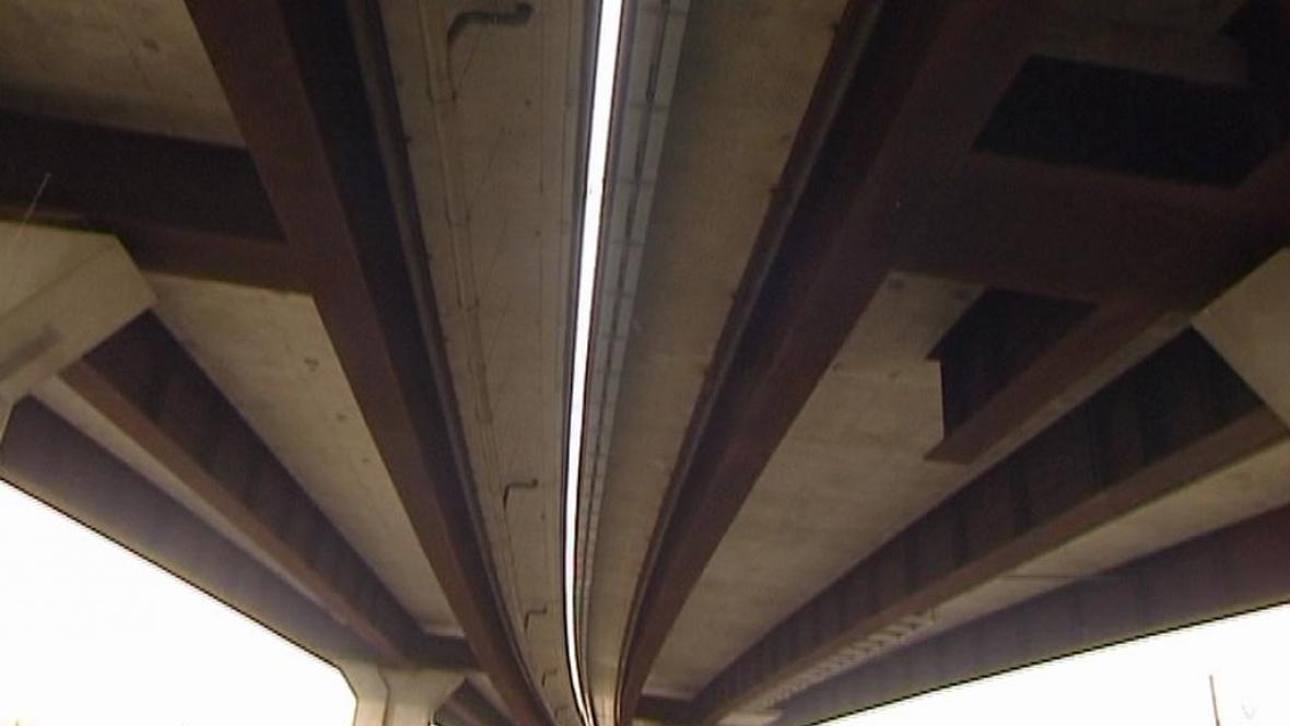 Rez na mostě