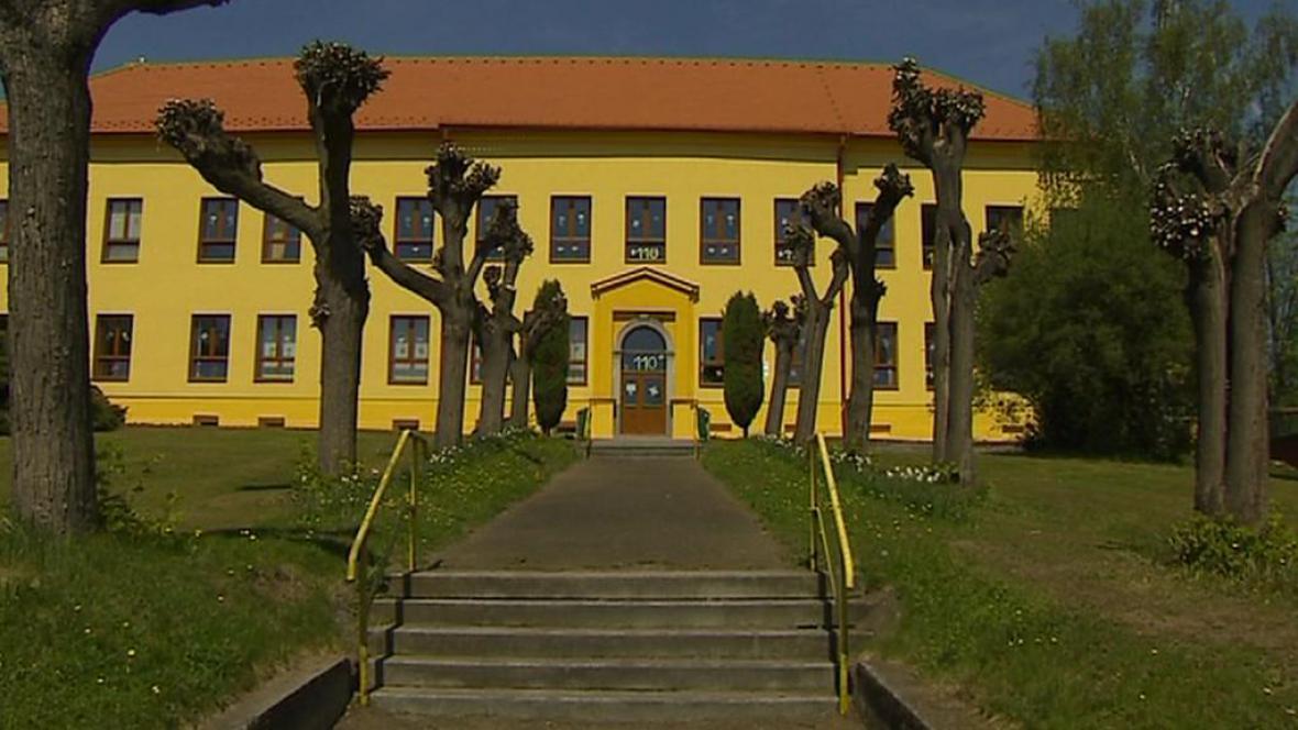 Opravená škola v Mirovicích