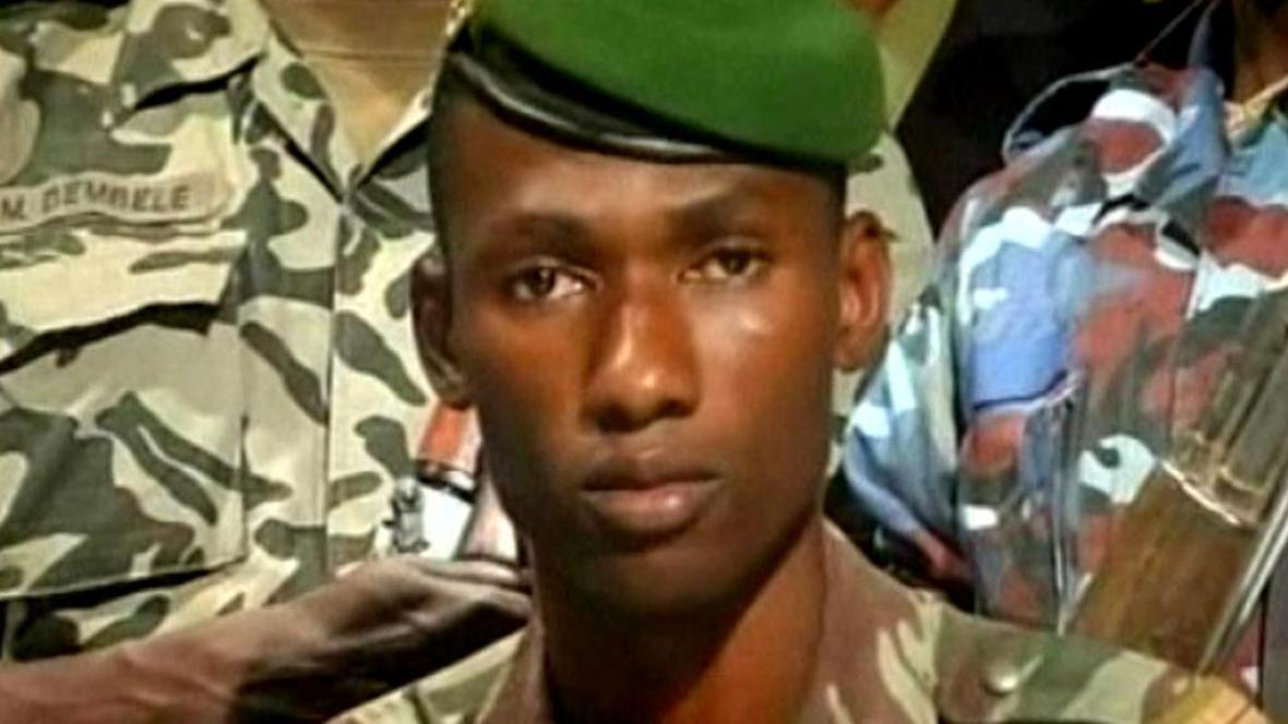 Voják vládnoucí junty