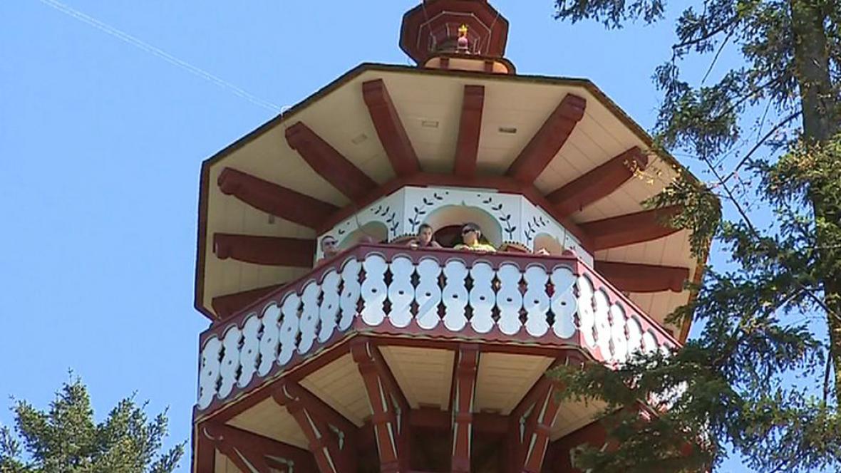 Detail unikátní rozhledny v Rožnově pod Radhoštěm