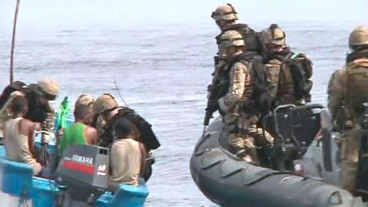 Zadržení somálští piráti