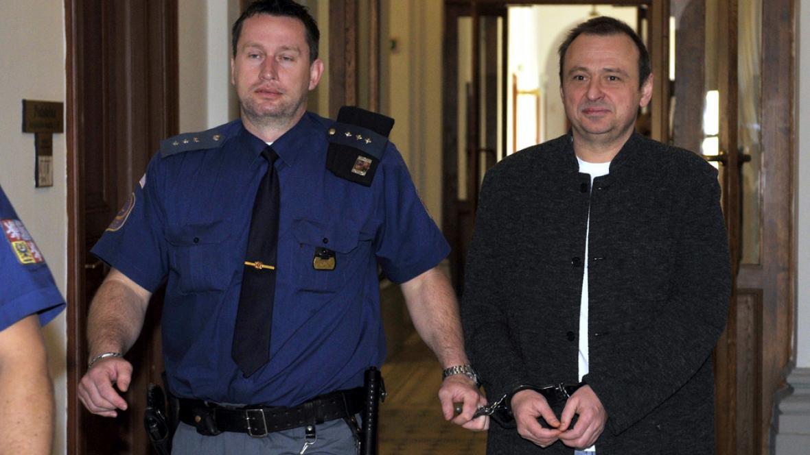 Antonín Šafář míří k soudu