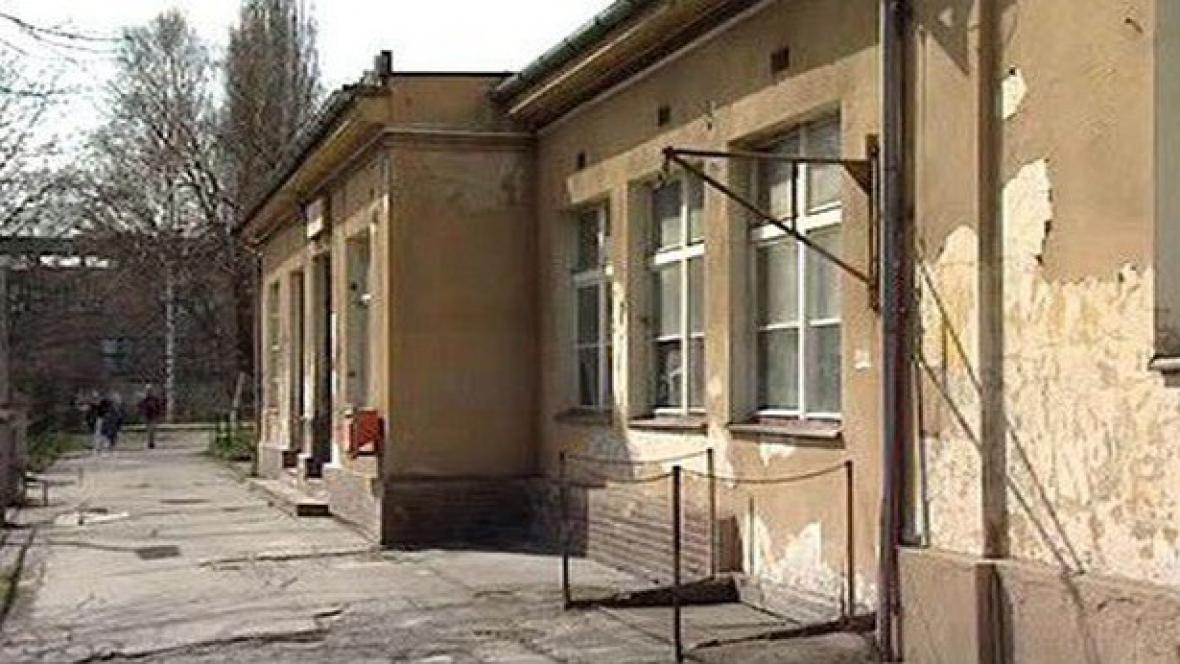 Karlovarské nádraží