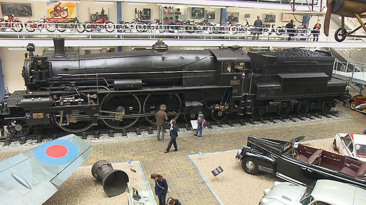 Lokomotiva 375.007