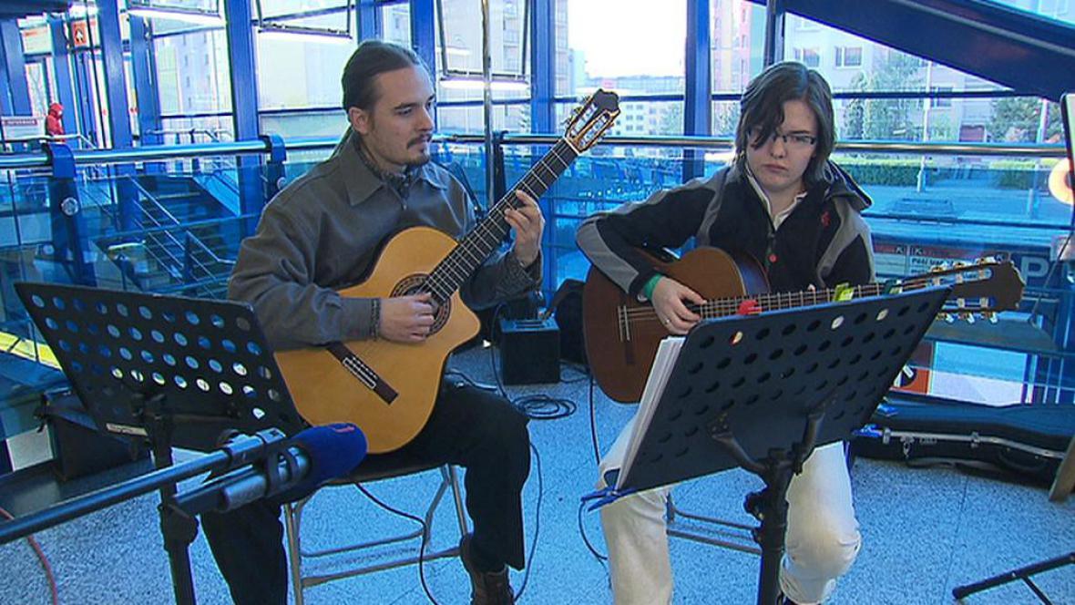 Nalaďte se v metru - první ročník hudby v metru
