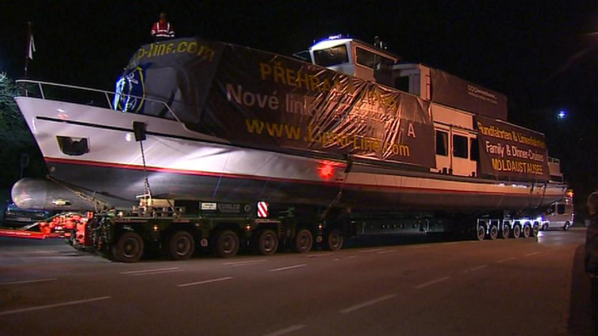 Transport lodi z Lince na Lipno