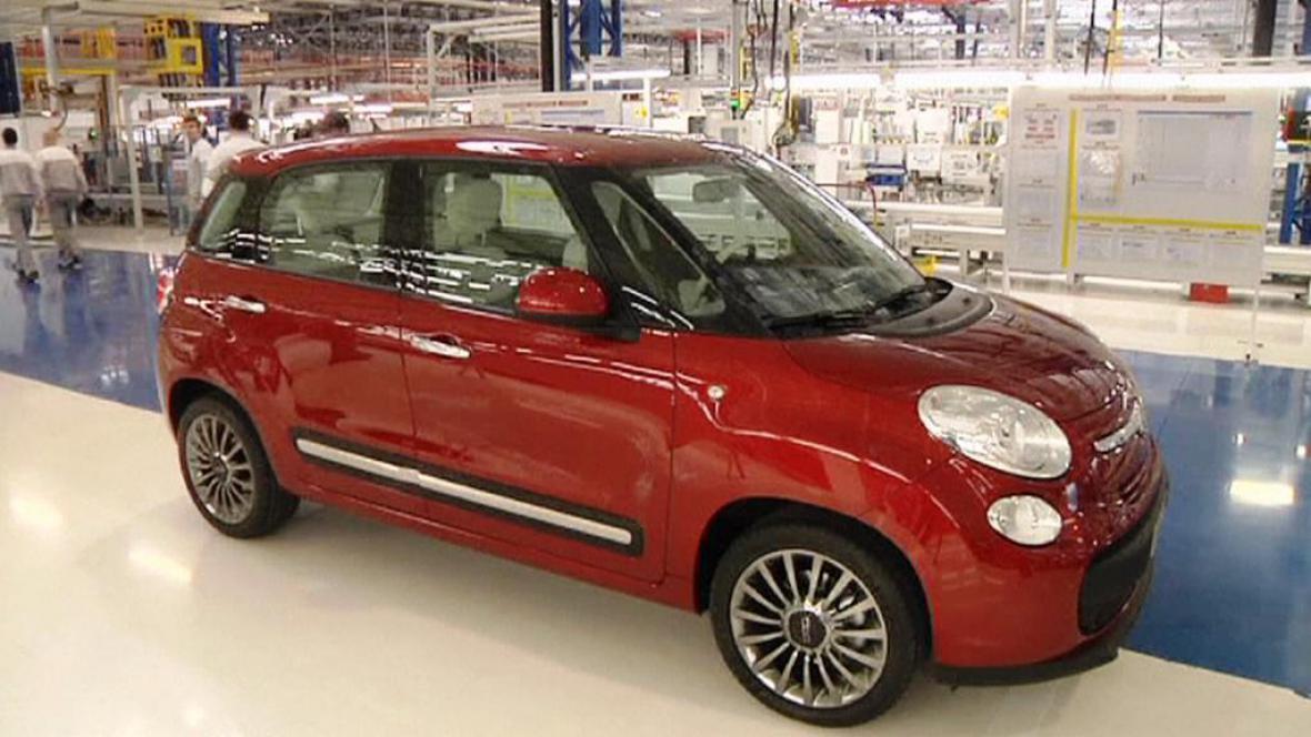 Čtyřdveřová verze Fiatu 500