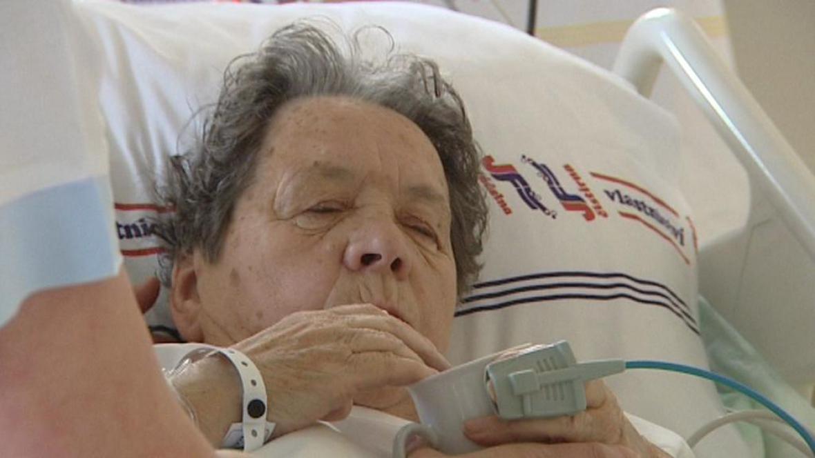 Pacientka iktového centra v Náchodě