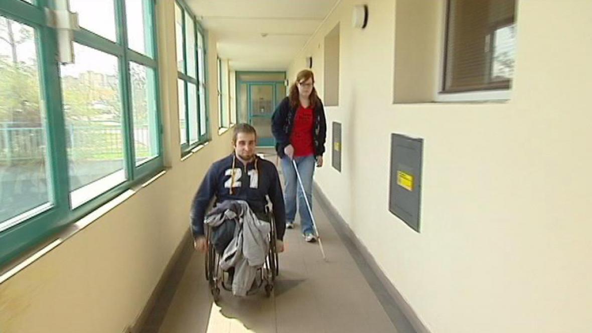Handicapovaní spolužáci ze střední školy