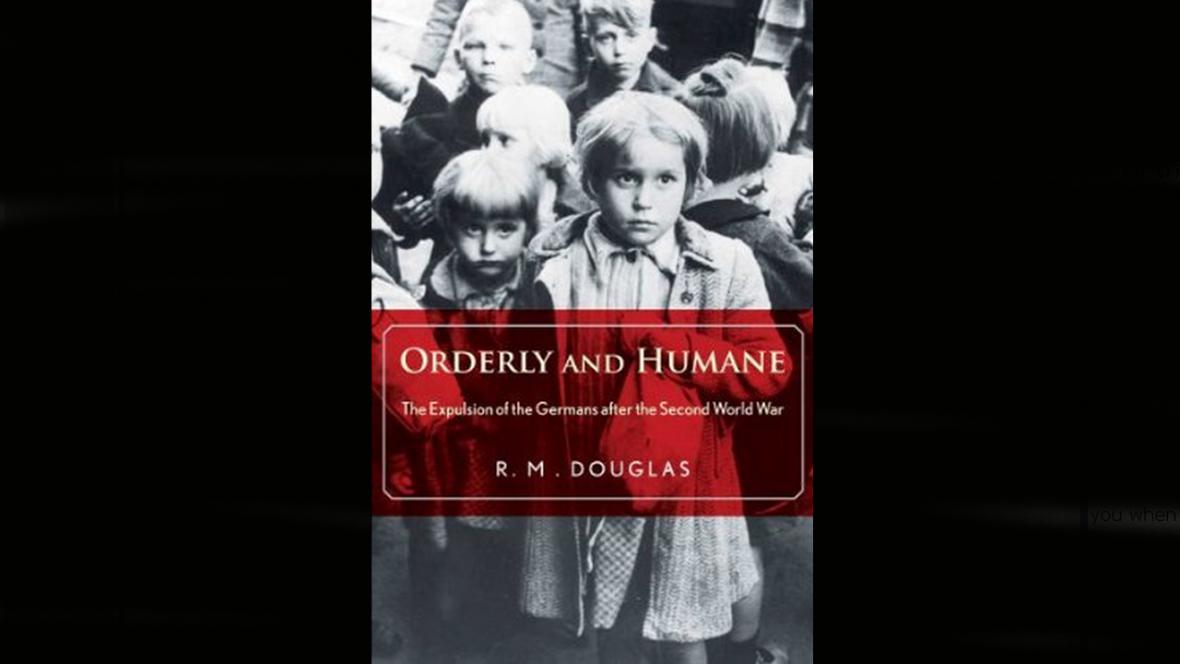 Kniha R. M. Douglase o odsunu Němců