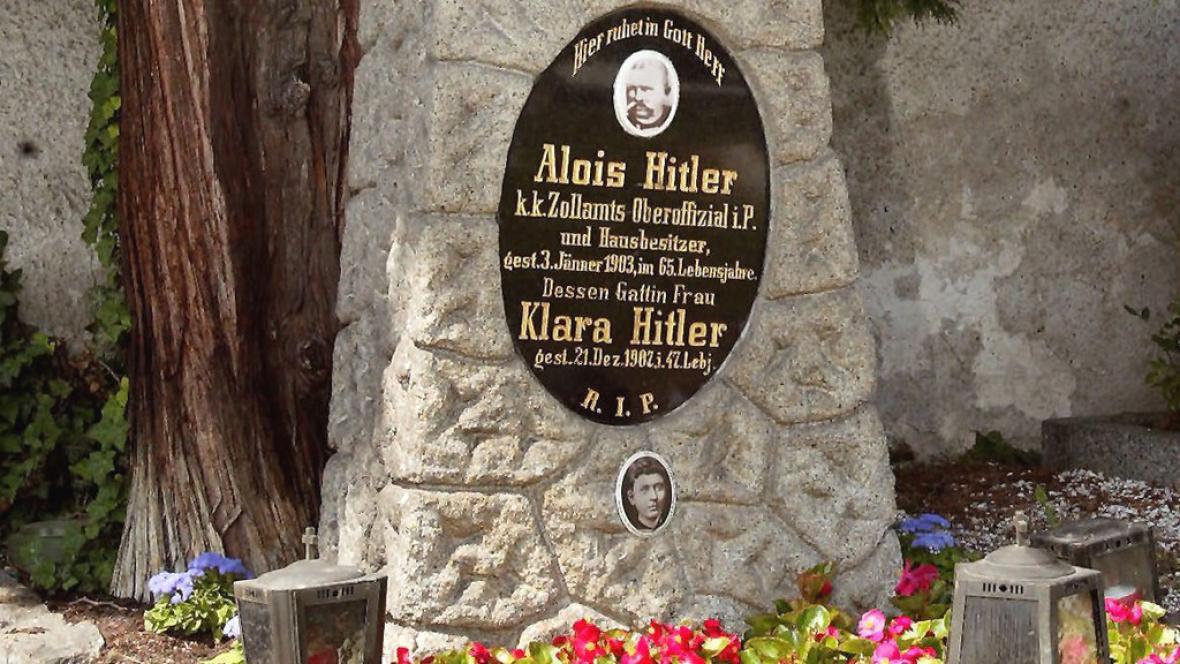 Hrob Aloise a Klary Hitlerových