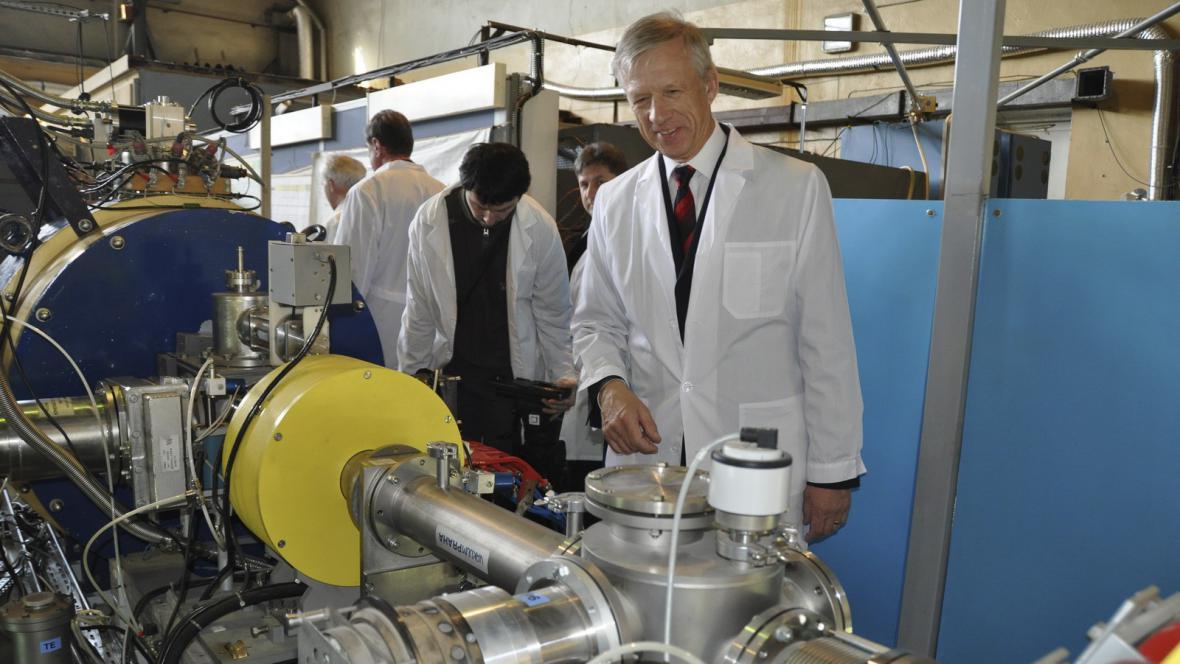 Sjednocený ústav jaderných výzkumů v Dubně