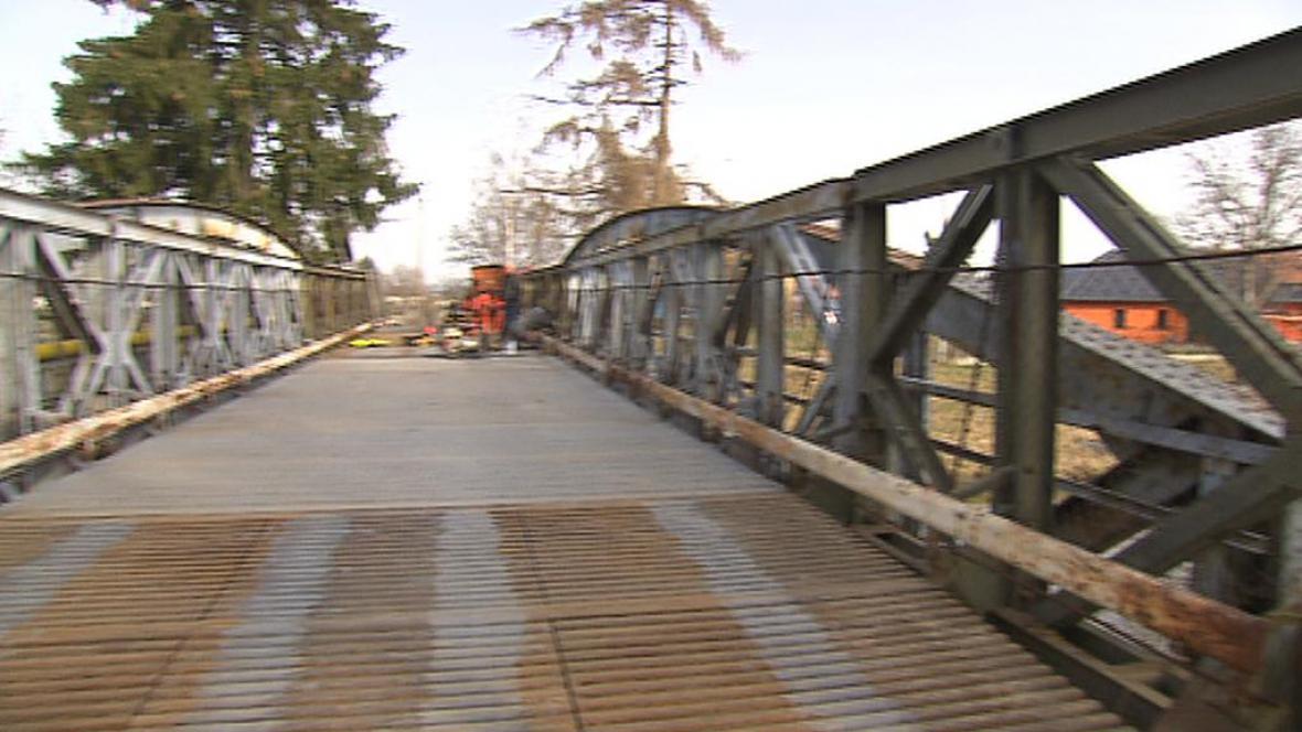 Oprava mostu v Lužci