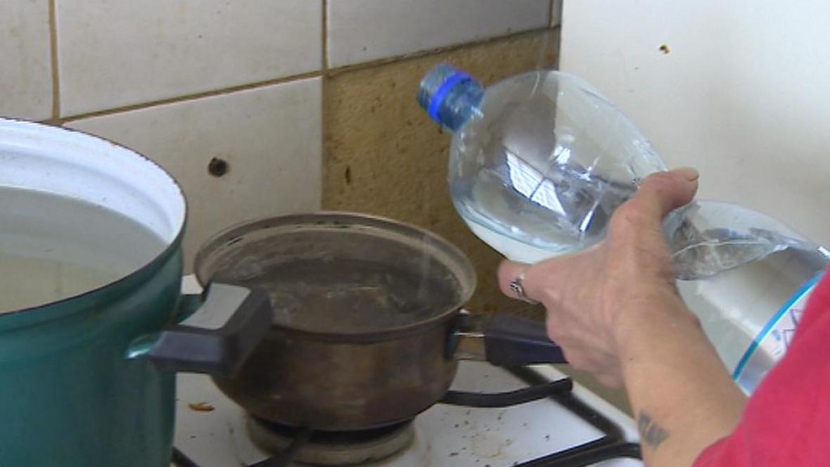 Voda v PET lahvi