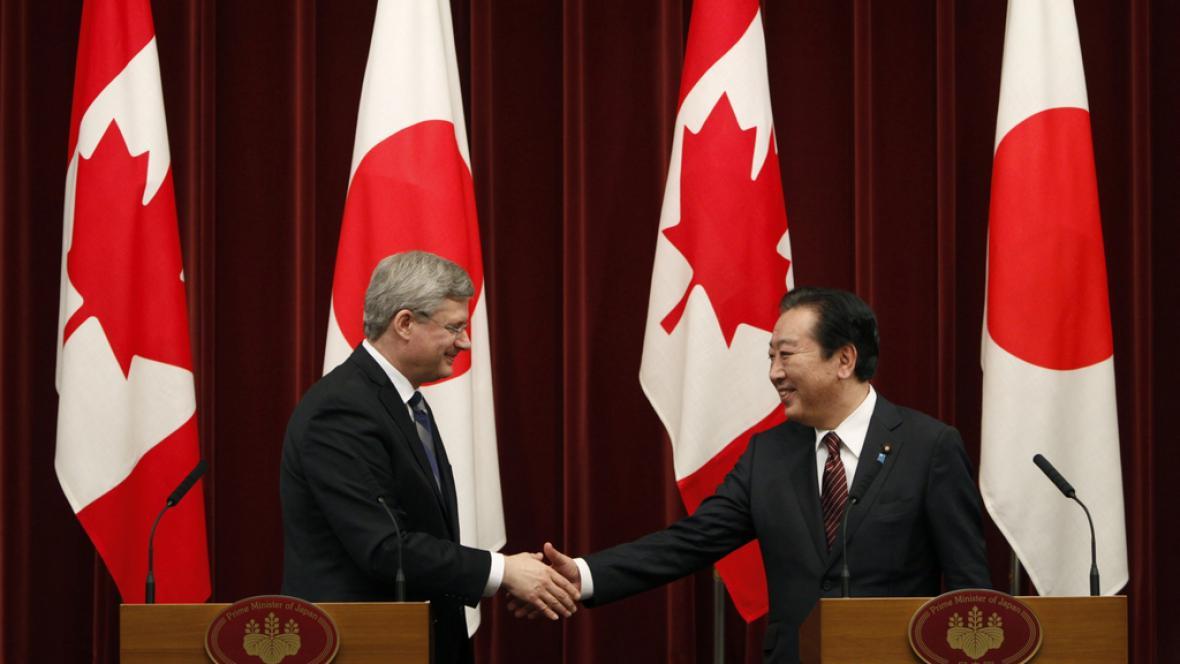 Japonský premiér Jošihiko Noda s kanadským protějškem Stephenem Harperem