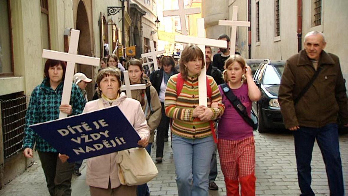 Odpůrci potratů prošli Prahou