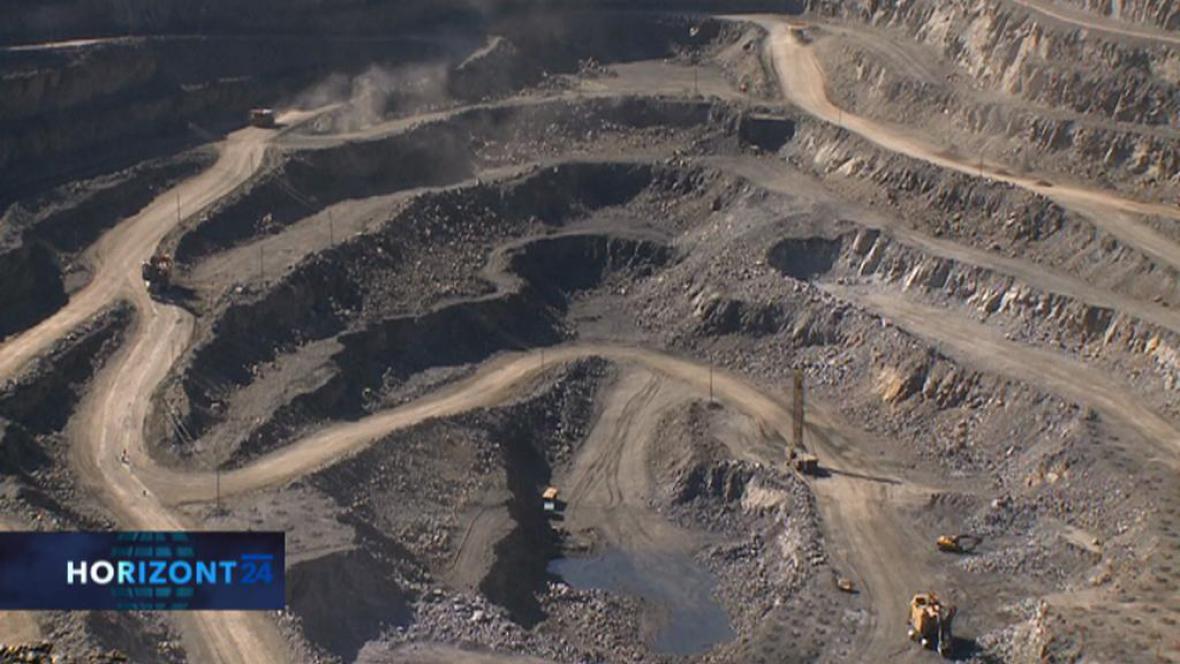 Těžba vzácných kovů v Číně