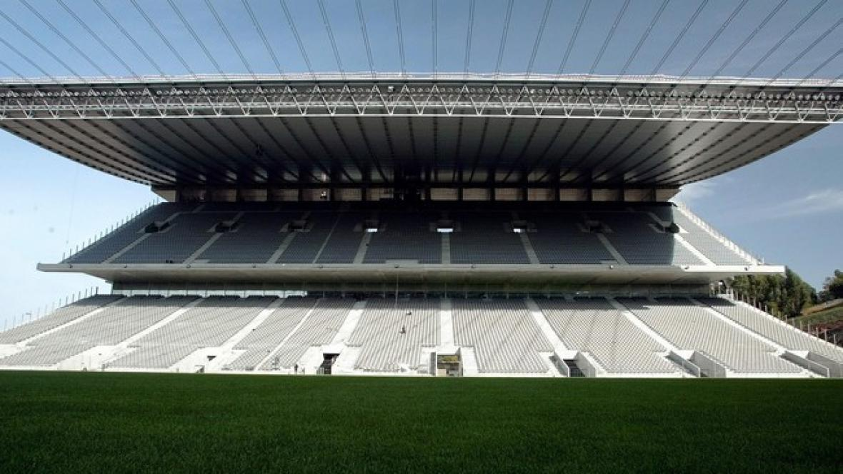 Eduardo Souto Moura / stadion ve městě Braga
