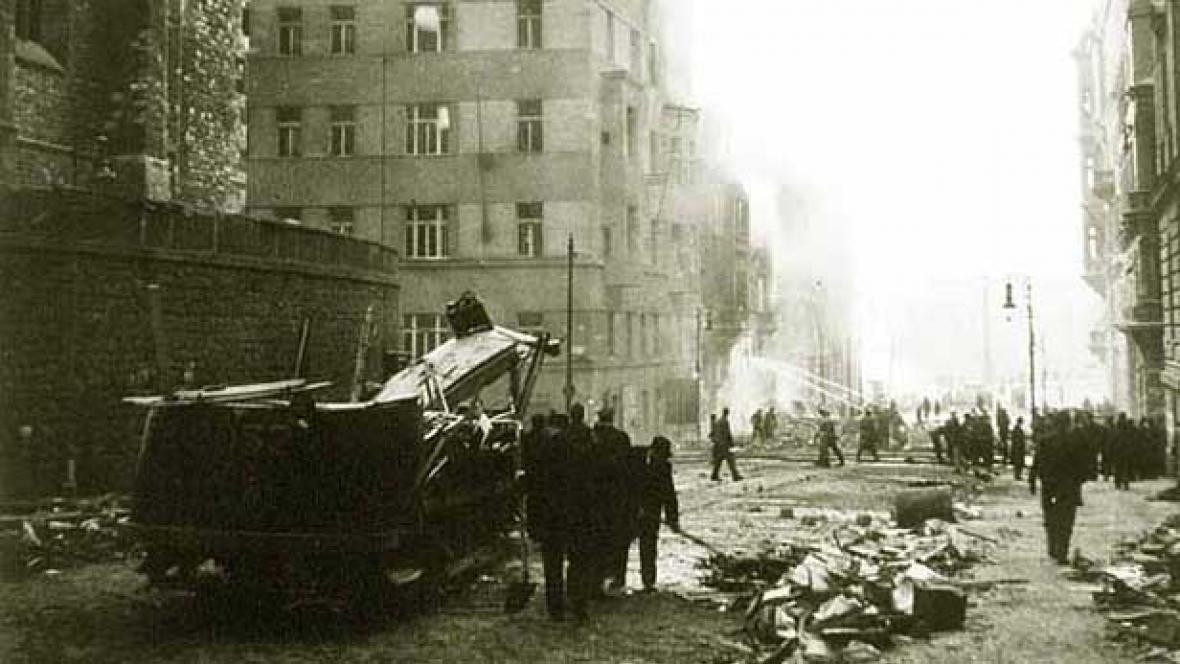 Nálety na Prahu ze 14. února 1945