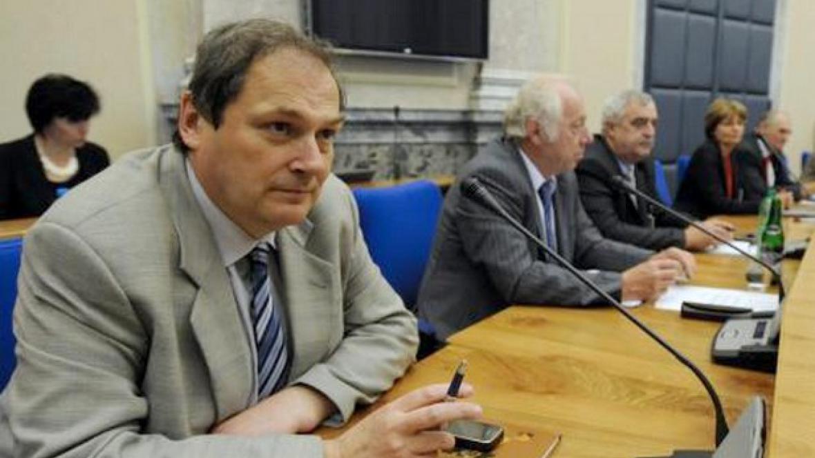 Jednání tripartity