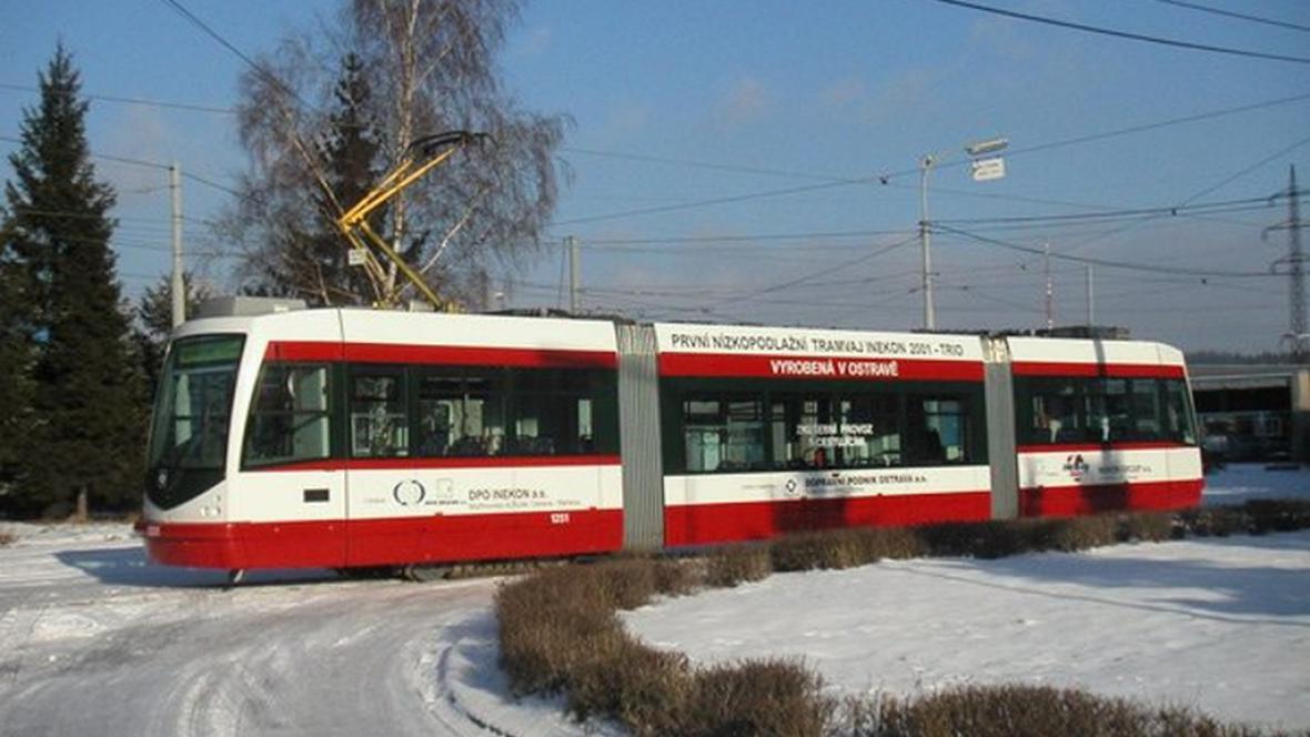 Nízkopodlažní tramvaj INEKON 01 Trio
