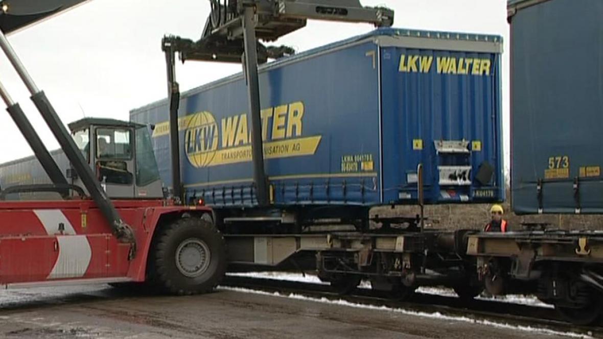 Kamiony na koleje