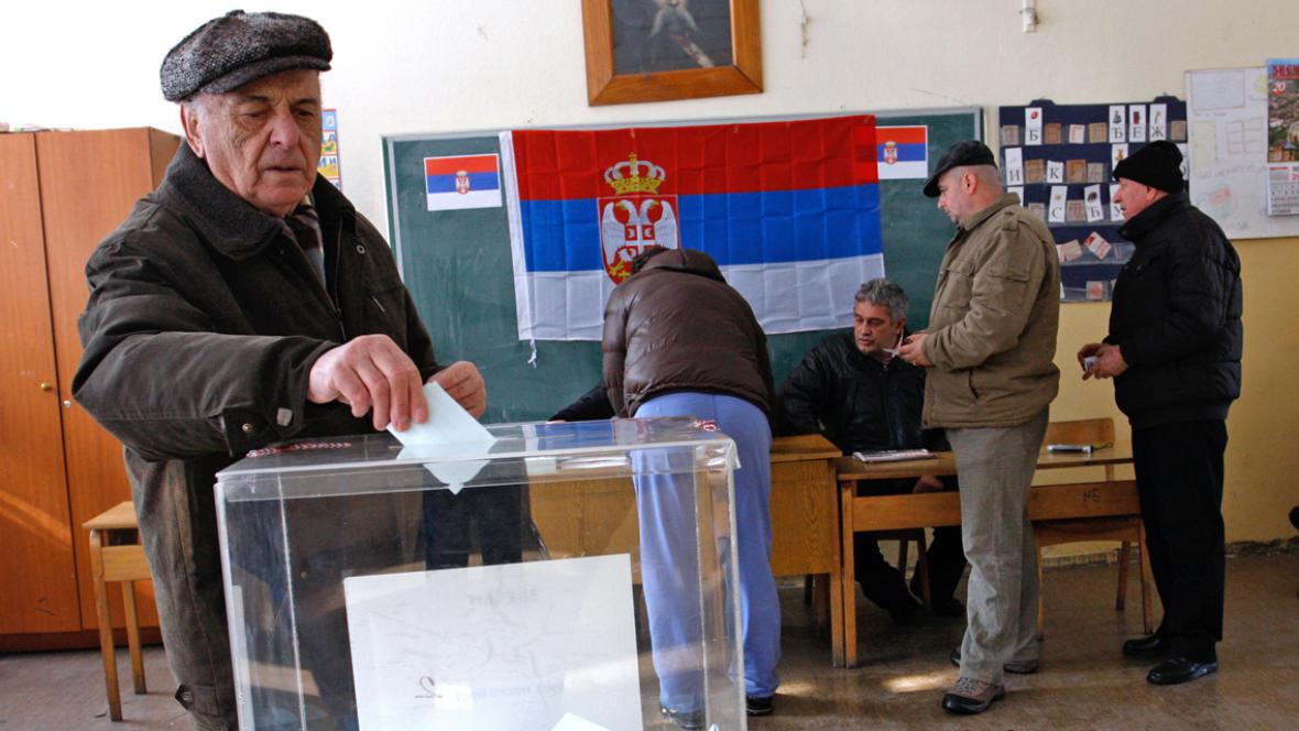 Kosovští Srbové u volebních uren