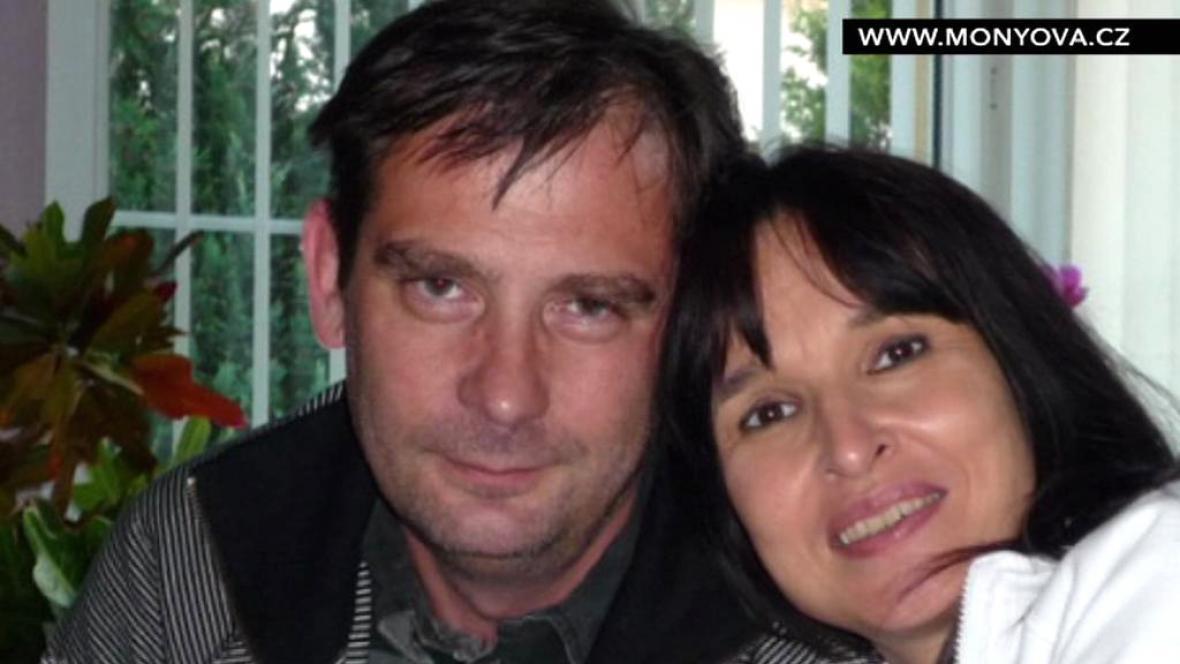 Simona Monyová s manželem