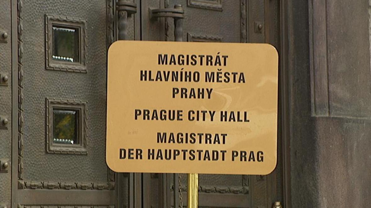Před Magistrátem hl. města Prahy