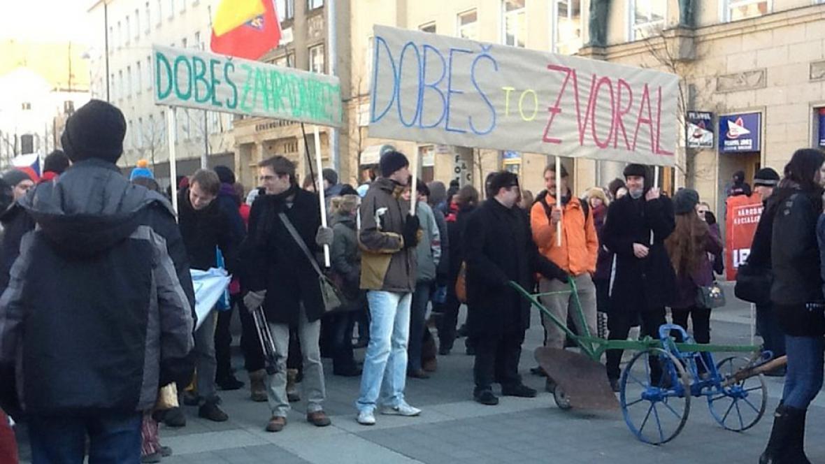 Studenti v Brně vyšli na pochod